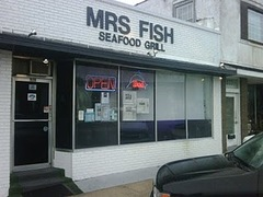 Mrs Fish Seafood Grill - Restaurant - 919 Broadway Street, Myrtle Beach, SC, United States