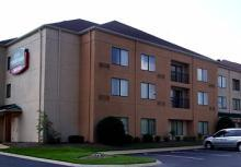 Courtyard Bowling Green Convention Center - Hotels/Accommodations - 1010 Wilkinson Trace, Bowling Green, KY, 42103
