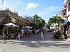 Avenida Quinta, Playa Del Carmen - Entertainment -