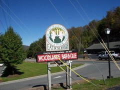 Woodlands Barbecue & Pickin - Restaurant - Hwy 321 Bypass, Blowing Rock, NC, United States