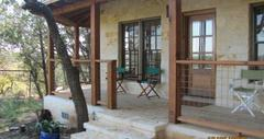Cypress Creek Retreat - Hotel - Hammetts Crossing, Round Mountain, TX, 78663