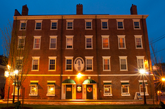 Garrison Inn - Hotel - 11 Brown Square, Newburyport, MA, United States