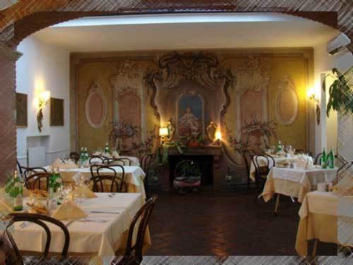 Tagiura - Restaurants - Via Tagiura, 5, Milan, Lombardy, Italy