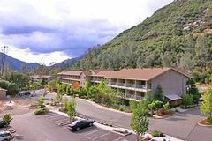 Yosemite View Lodge - Hotel - 11155 California 140, El Portal, CA, United States