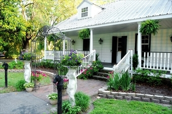 Cedar Grove Tchoupitoulas Plantation - Ceremony Sites, Reception Sites, Ceremony & Reception - 6533 River Rd, Westwego, LA, 70094