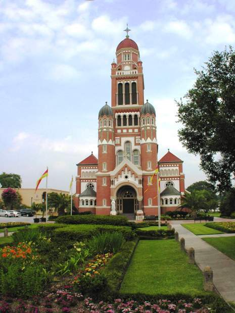 The Cathedral Of St. John The Evangelist - Ceremony Sites - 515 Cathedral St, Lafayette, LA, 70501
