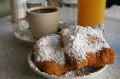 Cafe Du Monde - Attraction - 1039 Decatur St, New Orleans, L.A., United States