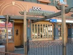 Doc Willoughby's Downtown Pub - Restaurants, Bars/Nightife - 353 Bernard Avenue, Kelowna, BC, Canada