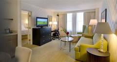 Hampton Inn and Suites - Hotel - 33 W Illinois St, Chicago, IL, 60654