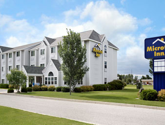Microtel Inn & Suites - Hotels/Accommodations - 1305 N 25th St., Clear Lake, IA, 50428