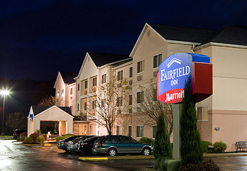 Fairfield Inn Youngstown Boardman/poland - Hotels/Accommodations - 7397 Tiffany S, Poland, OH, 44512