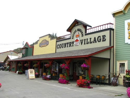Davison Orchards Country Village - Attractions/Entertainment - 3111 Davison Road, Vernon, BC, Canada