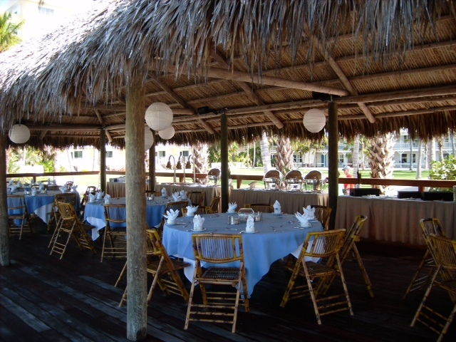 Golf: Naples Beach Hotel & Golf Club - Reception Sites, Golf Courses, Ceremony Sites, Attractions/Entertainment - 851 Gulf Shore Blvd N, Naples, FL, 34102
