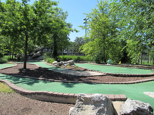 Diversey Mini Golf & Driving Range - Golf Courses -