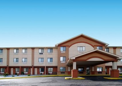 Quality Inn - Hotels/Accommodations - 17259 Conneaut Lake Road, Meadville, PA, United States