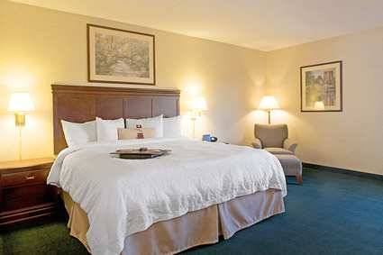Hampton Inn Rochester-north, Ny - Hotels/Accommodations - 500 Center Place Drive, Rochester, NY, United States
