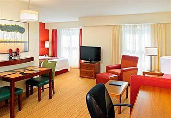 Residence Inn By Marriott - Hotels/Accommodations - 181 Faunce Corner Rd, North Dartmouth, MA, USA