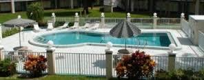 Siesta Inn And Suites - Hotels/Accommodations - 2303 1st St, Manatee, FL, 34208