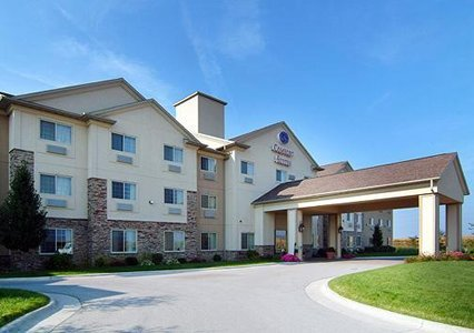 Comfort Suites - Reception Sites, Hotels/Accommodations - 1780 Stonegate Center Dr, Des Moines County, IA, 52601