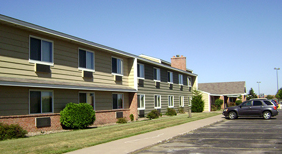 Americinn West Burlington - Hotels/Accommodations - 628 S Gear Ave, West Burlington, IA, 52655