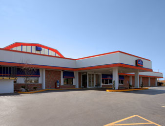 Howard Johnson Burlington - Reception Sites, Hotels/Accommodations - 2759 Mt Pleasant St, Des Moines County, IA, 52601, US