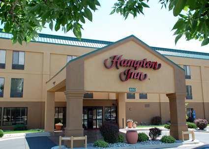 Hampton Inn - Hotels/Accommodations - 850 S Main St, Longmont, CO, 80501