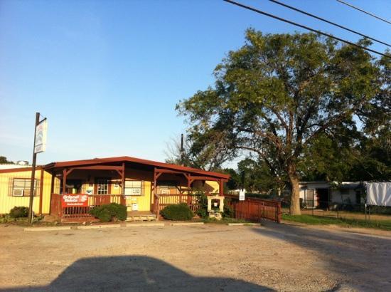 Taqueria Rio Verde - Restaurants - 1330 N Jefferson St,, La Grange, TX, 78945