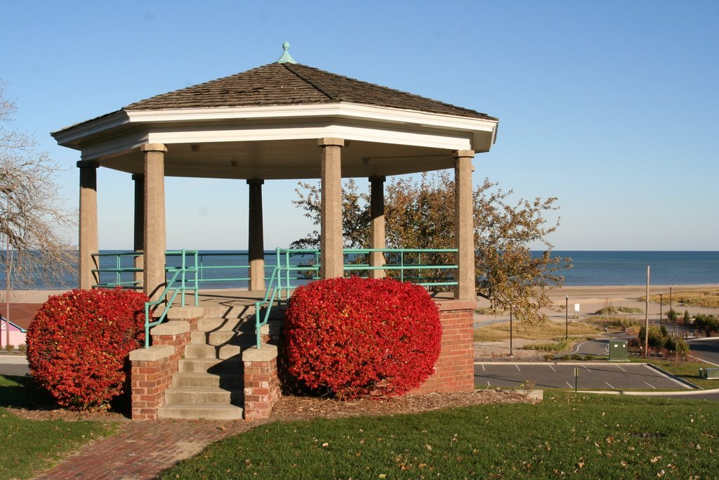 North Beach Gazebo - Ceremony Sites - Racine County, WI, 53402
