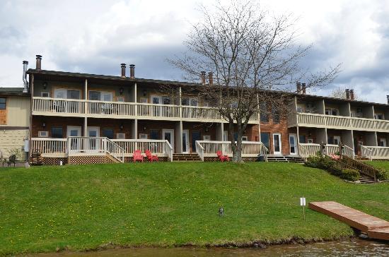 Lake Star Lodge - Hotels/Accommodations - 2001 Deep Creek Dr, Garrett County, MD, 21541