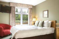 Windtower Lodge & Suites - Hotel - 160 Kananaskis Way, AB, T1W 3E2, CA