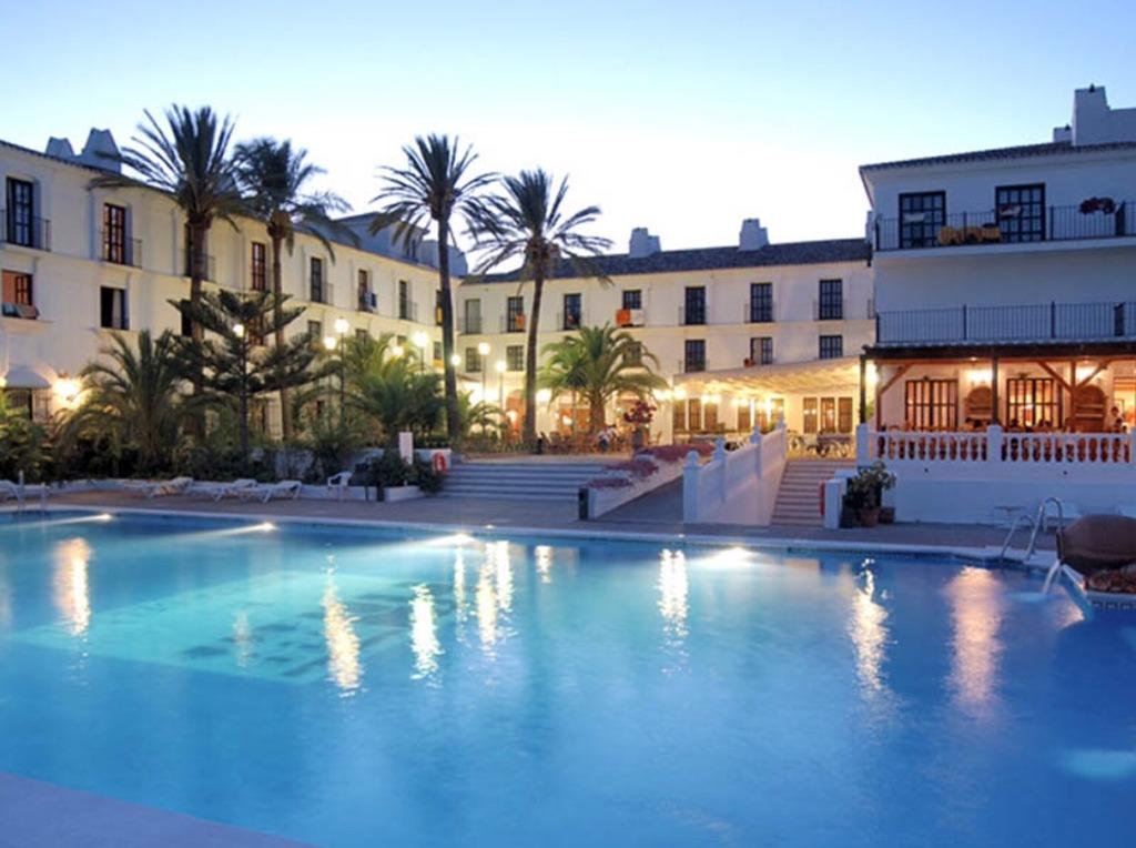 Hotel Hacienda Puerta Del Sol - Hotels/Accommodations - Km 4 Carr. de Mijas-Fuengirola, Málaga, AL, 29650, ES