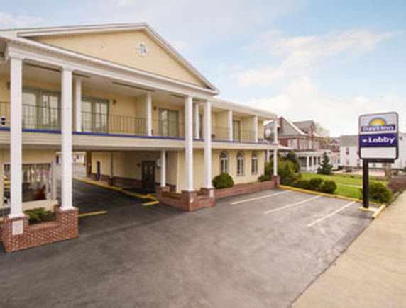 Days Inn Waynesboro - Hotels/Accommodations - 239 W Main St, Franklin County, PA, 17268, US