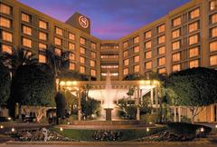 Sheraton Crescent Hotel - Hotels/Accommodations, Ceremony & Reception, Brunch/Lunch, Rehearsal Lunch/Dinner - 2620 W Dunlap Ave, Phoenix, AZ, USA