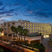DoubleTree Suites by Hilton Hotel Santa Monica - Officiants, Rentals - Santa Monica, CA, 90401-3310, USA