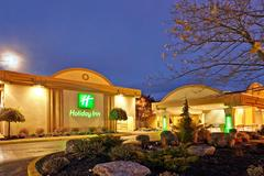 Holiday Inn Cambridge  - Hotels/Accommodations, Reception Sites, Ceremony Sites - 200 Holiday Inn Drive, Cambridge, Ontario, N3C 1Z4, Canada