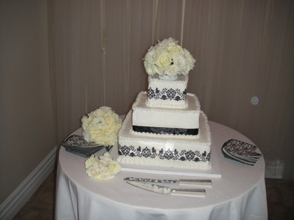 Cakes and Desserts - Heather and Christopher's Wedding in Amherst, OH, USA