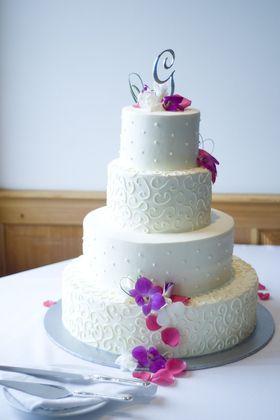 Cakes and Desserts - Ljubitza and Kurt's Wedding in Marquette, MI, USA
