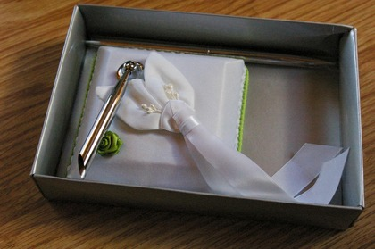 The pen to go with the guest book. Flowers and Decor - Clarissa and Marco's Wedding in Mandello del Lario, Italy