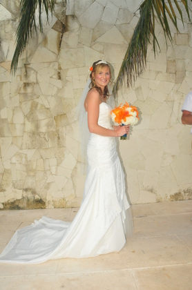 The Wedding Dress - Leanne and George's Wedding in Cancun, Mexico