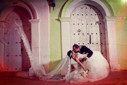 The Newlyweds - Beatriz y Enrique in Cartagena, Bolivar, Colombia