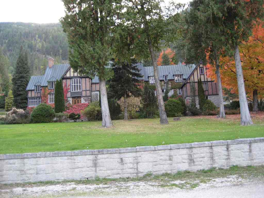 Blaylock's Mansion & Spa - Ceremony Sites, Reception Sites - 1679 Hwy 3A, Nelson, BC, Canada