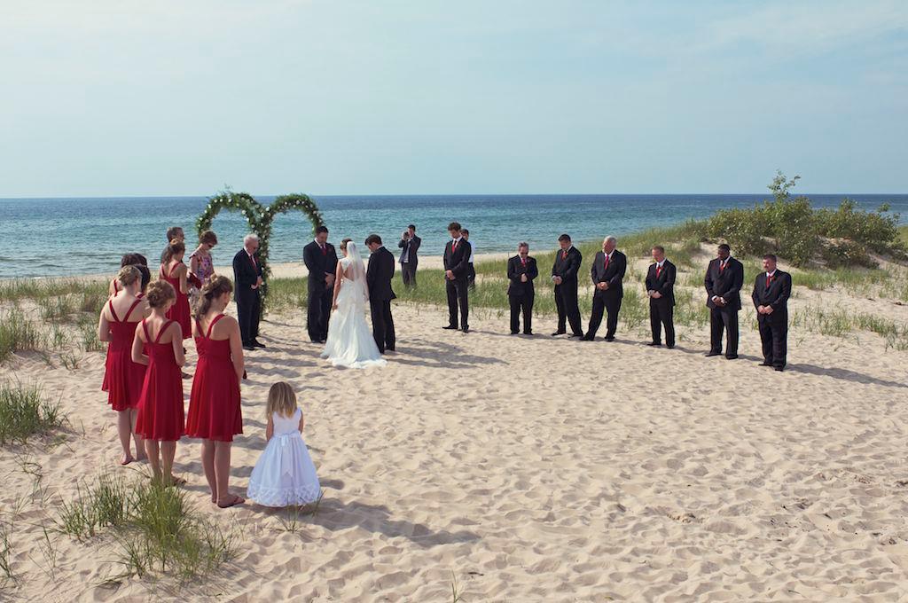 Beach wedding destinations in michigan mini bridal for Honeymoon spots in michigan