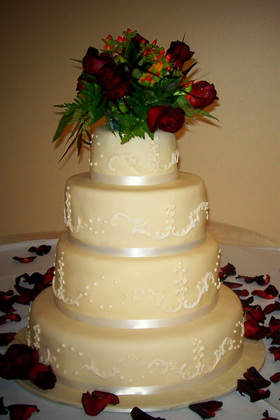 wedding cake bakeries rockford il centerpiece cakes wedding venues amp vendors wedding mapper 21889