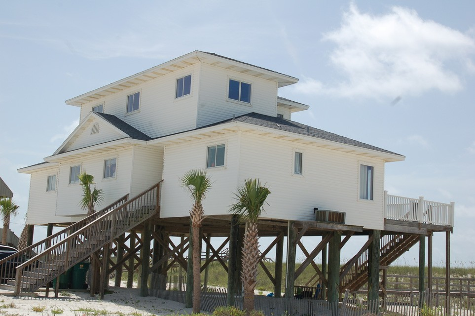 The Beachcomber - Ceremony Sites - 7515 Gulf Blvd, Navarre, FL, 32566