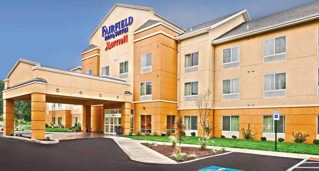 Fairfield Inn & Suites Harrisburg West - Hotels/Accommodations - 185 Beacon Hill Blvd, New Cumberland, PA, 17070, US