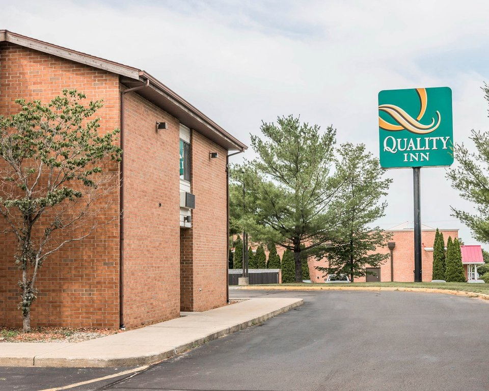 Quality Inn Grand Rapids North - Hotels/Accommodations - Holton Court Northwest, Grand Rapids, MI, 49544