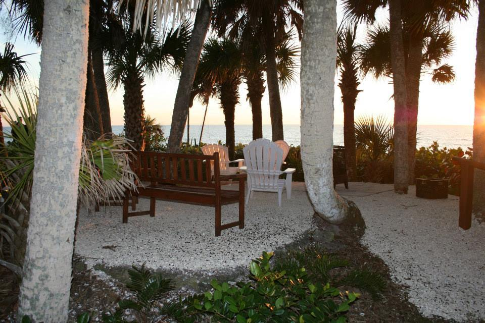 Manasota Beach Club - Hotels/Accommodations, Ceremony Sites, Reception Sites - 7660 Manasota Key Rd, Englewood, FL, 34223
