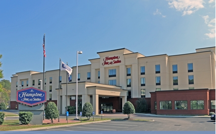 Hampton Inn & Suites - Hotels/Accommodations - 850 Hampton Blvd, Norfolk, VA, 23505, US