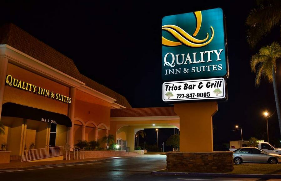 Quality Inn - Reception Sites - 5316 US-19, New Port Richey, FL, 34652