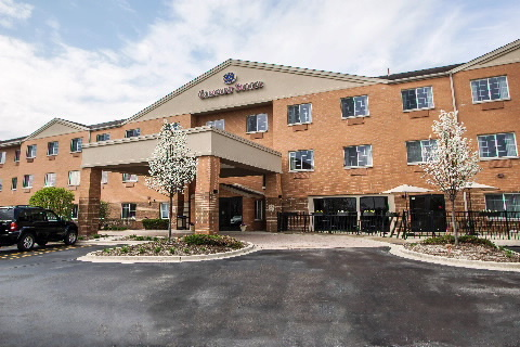 Comfort Suites - Hotels/Accommodations - 2480 Bushwood Drive, Elgin, IL, United States